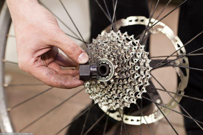 Как снять кассету с заднего колеса велосипеда: необходимые инструменты, видео