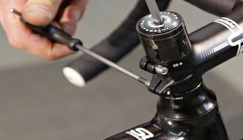 Почему велосипед скрипит при езде и как это устранить